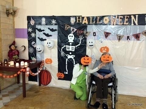Lar de Noega -  Lar de Noega lo pasa de miedo por Halloween - Lar de Noega