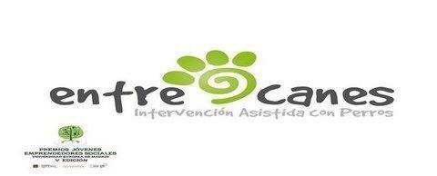 Lar de Noega - Intervención asistida con perros realizada por la ASOCIACIÓN ENTRECANES - Lar de Noega